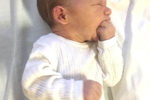 Kataríne a Petrovi Sidóovcom z Bratislavy sa narodil 3. decembra synček KRIŠTOF ako prvé dieťa. Chlapček po narodení vážil 3 kg a meral 49 cm.