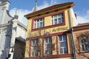 Starý meštiansky dom na Hlavnej ulici sa otvára umeniu a kultúre.