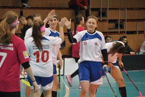 Dievčatá z OA Trenčín vyhrali krajský turnaj.