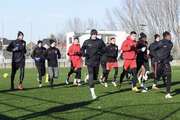 Futbalisti Serede začali v pondelok trénovať.