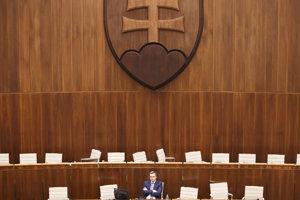 Andrej Danko v rokovacej sále.