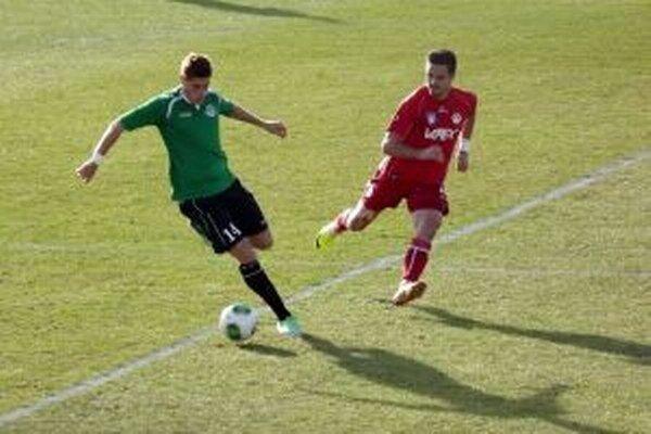 Rozdiel v hre medzi šiestym a posledným mužstvom v tabuľke ani nebolo vidieť.