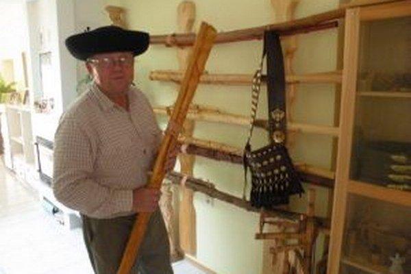Keď Miroslav Kováč vyrobí fujaru, syn mu na nej zahrá a zvuk dolaďuje aj týždeň, dva.