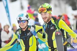 Matúš Danko (vľavo) a Jakub Šiarnik skončili na slávnych skialpinistických pretekoch Pierra Menta v najlepšej dvadsiatke.