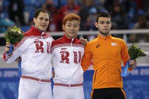 Sjinkie Knegt (vpravo).