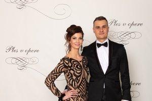 Michal Teplica, generálny riaditeľ News and Media Holding s manželkou Dianou Teplicovou