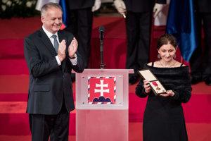 Prezident udelil Kumanovej štátne vyznamenanie, Pribinov kríž I. triedy, za mimoriadne zásluhy o sociálny rozvoj Slovenskej republiky v oblasti etnografie a histórie.