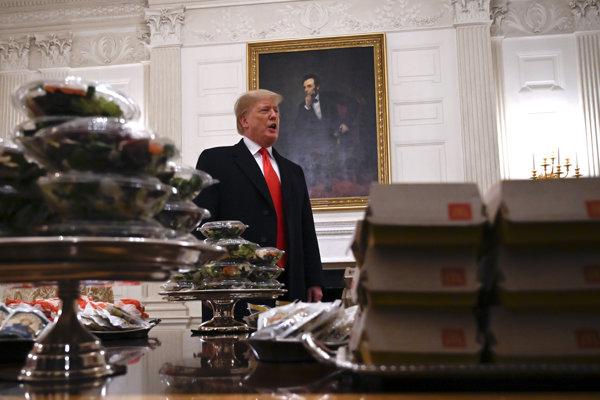 Čiastočný shutdown spôsobil, že väčšina zamestnancov Bieleho domu si musela vziať nútené voľno a futbalistom nemal kto navariť.