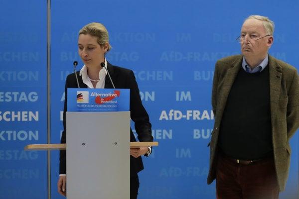 Lídri AfD Alexander Gauland a Alice Weidelová.