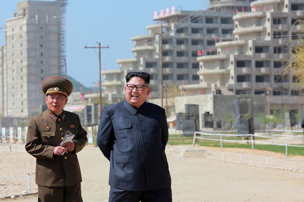 Na stavbu rezortu Wonsan-Kalma Coastal Tourist Area dohliadal aj vodca KĽDR Kim Čong-un.