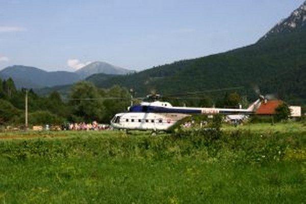 Symbol ochrany obyvateľov Stankovian prevážal vrtuľník ministerstva vnútra.