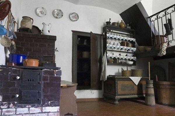 Vo Vrbici je v rodnom dome Martina Rázusa múzejná expozícia Rázusovie dom.