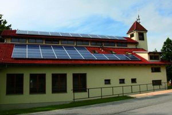 Kúrenie slnečnou energiou zachováva čistejšie životné prostredie.