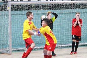 Nevidzany vo finále proti Vinodolu vyrovnali v záverečnej power-play a nakoniec sa tešili po penaltách z trofeje.