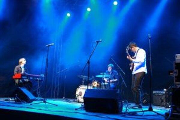 Slovensko-rakúska formácia Fabian Suspancic Trio otvorila svojím vystúpením Viva Street Music Night.