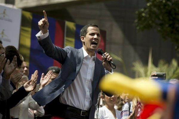 Predseda opozíciou vedeného venezuelského parlamentu Juan Guaidó.