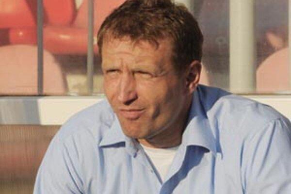 Generálny riaditeľ MFK Ružomberok Milan Baraník predstavil vo štvrtok 22. septembra  kabíne nového trénera Čecha Aleša Křečka.