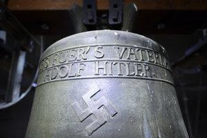 Zvon z obdobia nacizmu v kostole v obci Herxheim am Berg.