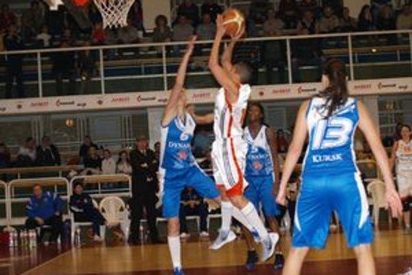 V prvom štvrťfinálovom stretnutí Európskeho pohára FIBA prehral slovenský vicemajster MBK Ružomberok s tretím tímom najvyššej ruskej súťaže Dinamom Kursk o bod - 80:81.