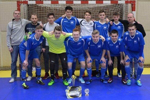Tovarníky sa stali víťazmi 4. ročníka halového futbalového turnaja v kategórii dorastu.