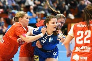 Zuzana Trepáčová (v modrom) v sobotu debutovala za ženy Šale.