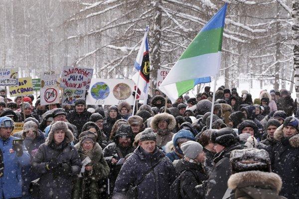 Počet účastníkov nedeľňajších akcií sa pohyboval od niekoľkých desiatok do viac ako tisíc.