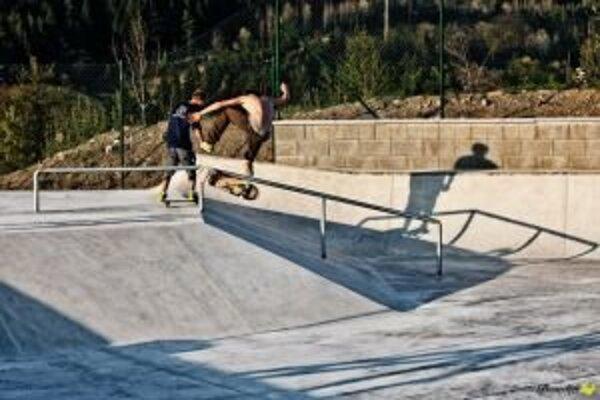 V ružomberskom skateparku si môžu zašportovať aj bicyklisti a korčuliari.