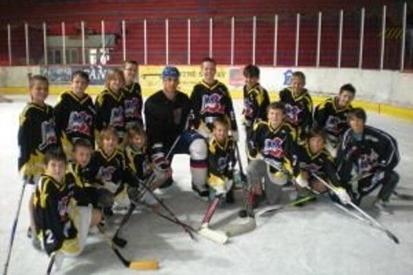 Milan Juričina s hokejovou mládežou.