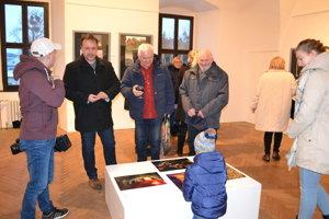 Porota vybrala na výstavu vyše 40 fotografií.