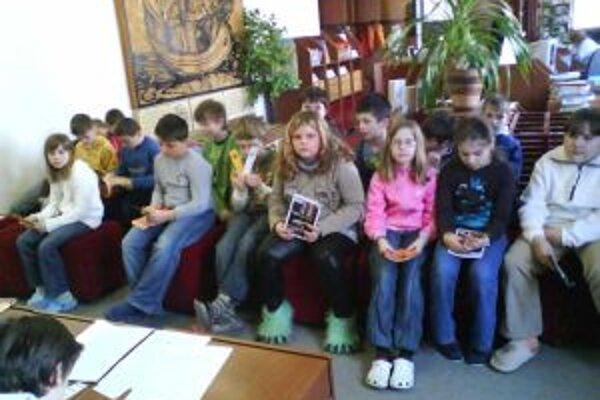 V ružomberskej mestskej knižnici organizujú rôzne podujatia. Jedným z nich bol detský čitateľský maratón, keď knihy čítalo na Slovensku viac ako 20-tisíc detí, z toho v Ružomberku viac ako štyristo na štyroch rôznych miestach.