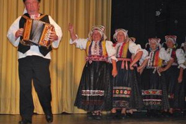 Na Ružomberskej lýre spievali aj Sliačania. Zaujali nielen spevom, ale aj krásnymi krojmi.