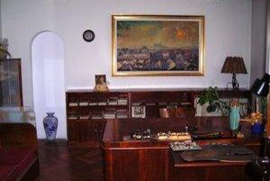 V Galérii Ľudovíta Fullu v Ružomberku si môžu návštevníci pozrieť aj maliarovu pracovňu.