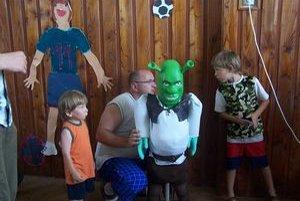 Súčasťou výstavy bolo aj predvádzanie robotov z Lega. Zostrojili a predviedli ich úspešní finalisti zo svetovej súťaže v konštruovaní a programovaní robotov Robocup, ktorá bola nedávno v rakúskom Grazi. Deťom sa najviac páčil rozprávkový Shrek.