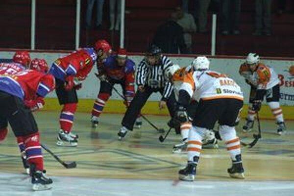 Mikulášania si v úvodnom zápase sezóny doma poradili s reprezentačnou dvadsiatkou.