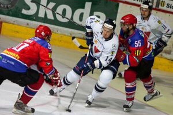 Mikulášania v zápase so Slovanom doplatili najmä na nevydarenú úvodnú tretinu.