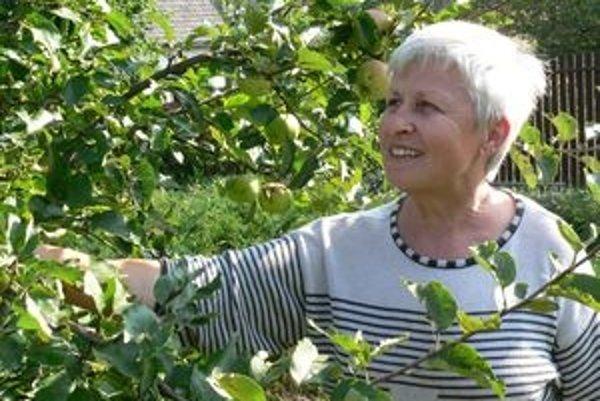 Anastázia Speváková pracovala po emigrácii v rádiu Slobodná Európa. V súčasnosti trávi najviac času v svojej záhrade v Kráľovej Lehote.