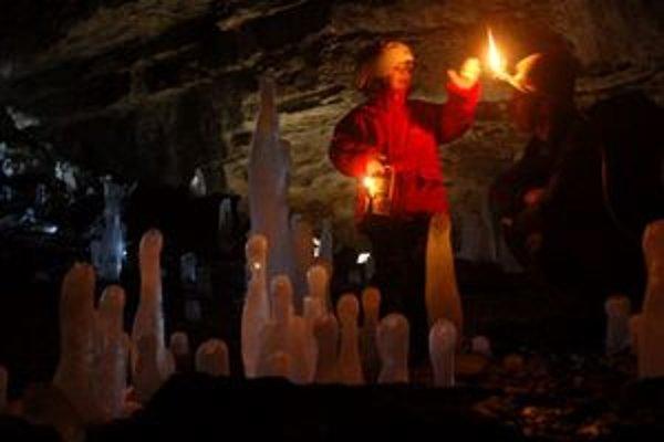 Acetylénové lampy, ľudovo zvané karbidky, používajú hlavne jaskyniari pri prieskume jaskýň.