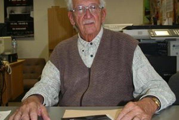 Ján Kuska túžil byť zubárom ako jeho otec a starý otec, ktorý bol prvým slovenským dentistom v Rakúsko Uhorsku.