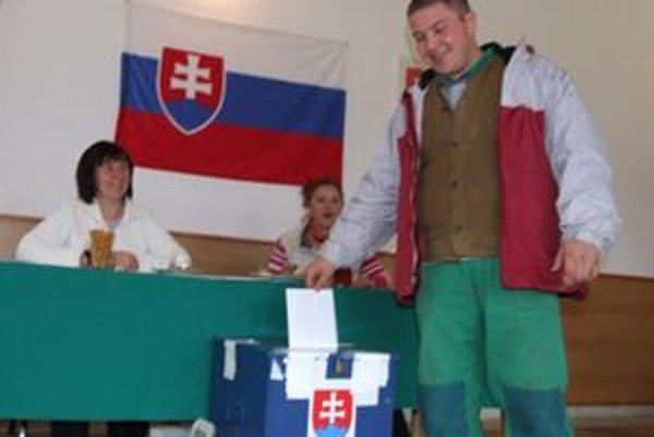 V doplňujúcich voľbách volia nového starostu aj v obci Vlachy.