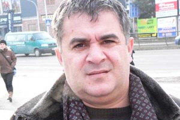 Vladimír Čonka hovorí, že družstvo pomôže Rómom ostrániť chudobu.