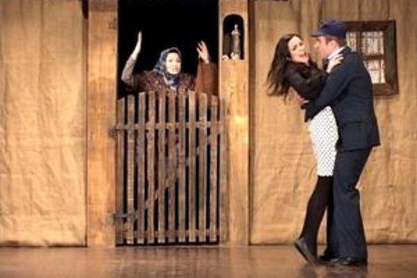Už zajtra si v liptovskomikuláškom Dome kultúry môžete pozrieť komédiu Ulička. Predstavia sa v nej ochotníci z Ľubele, ktorí sú zárukou kvality aj dobrej zábavy.