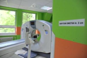 Počítačový tomograf umožňuje rádiologické vyšetrenie vnútra ľudského tela a je dôležitý pri diagnostike rôznych úrazov i chorôb.