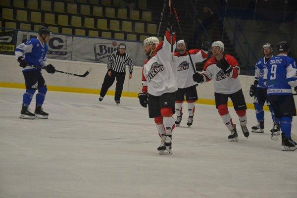 Zavládne dnes v Považskej Bystrici hokejová radosť aj proti extraligovému súperovi?