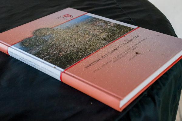Nová publikácia tesne po krste.