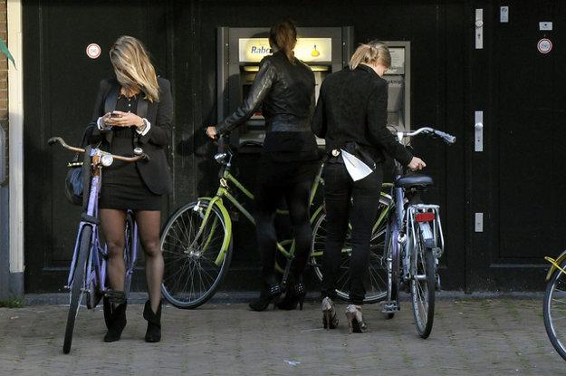 V Amsterdame sú bicykle hneď po chôdzi najprirodzenejší spôsob prepravy.