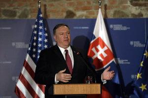 Mike Pompeo v Bratislave.