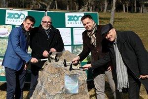 Poklepanie základného kameňa nového pavilónu slonov ZOO Bojnice.