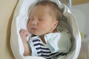 Eduard Hladík (3650 g, 52 cm) sa narodil 6. februára Ivane a Eduardovi z Nemšovej.