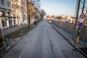 Uzavretá Páričkova ulica pre osobnú automobilovú dopravu