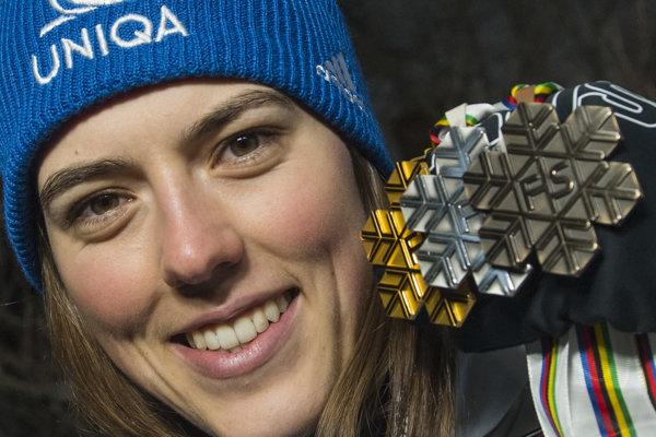 Petra Vlhová a jej tri medaily z MS v lyžovaní 2019 - zlato z obrovského slalomu, striebro z alpskej kombinácie a bronz zo slalomu.